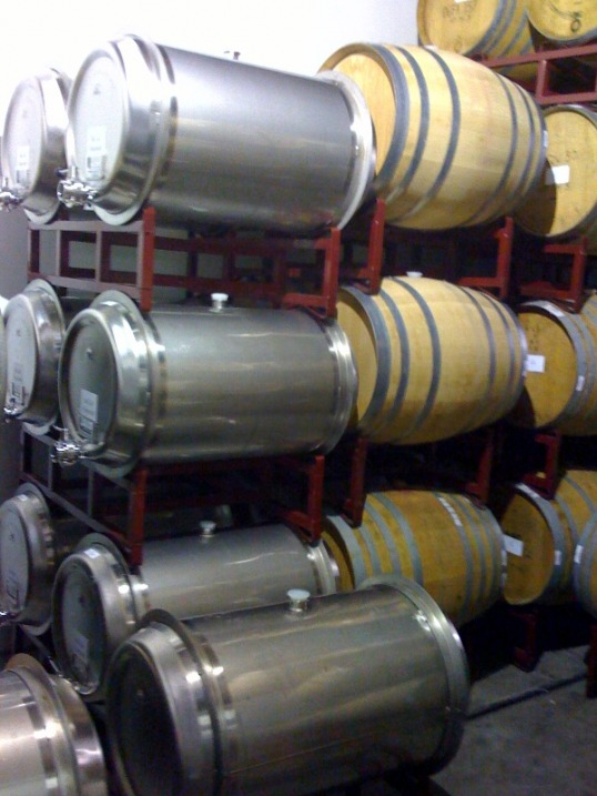 Stainless steel wine barrels, stainless barrels, wine barrels, enotools, oenology, winery equipment